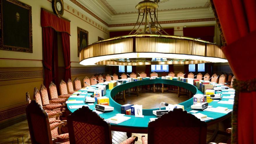 Salón de plenos de la Real Academia Española (RAE)