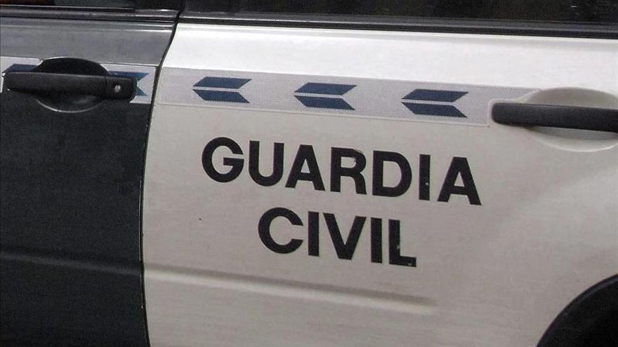 Detenido en Cádiz por retener una semana a una mujer que conoció por Internet