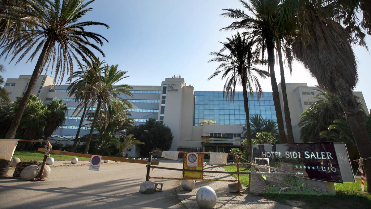 Entrada principal de l'hotel Sidi Saler.