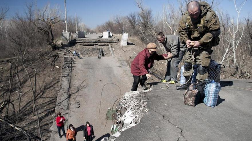 La ONU insta a Kiev y a los rebeldes a retirar sus armas y a proteger a los civiles