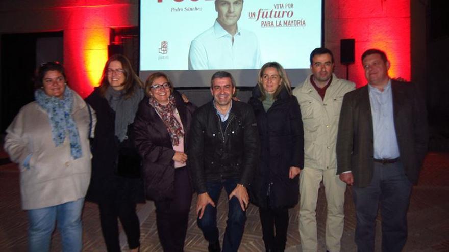 Álvaro Gutiérrez, Guadalupe Martín y Milagros Tolón en Toledo / EUROPA PRESS