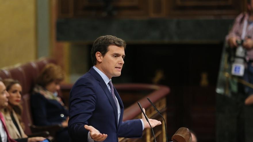 Rivera, decepcionado con PP y PSOE por no apoyar la moción de Cs sobre adoctrinamiento en colegios catalanes