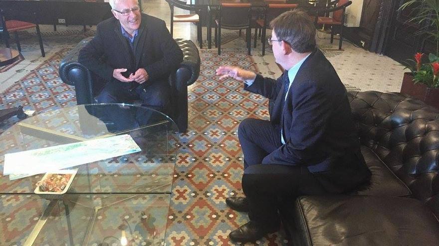 El alcalde de Valencia, Joan Ribó, ha recibido al president de la Generalitat, Ximo Puig, en el ayuntamiento