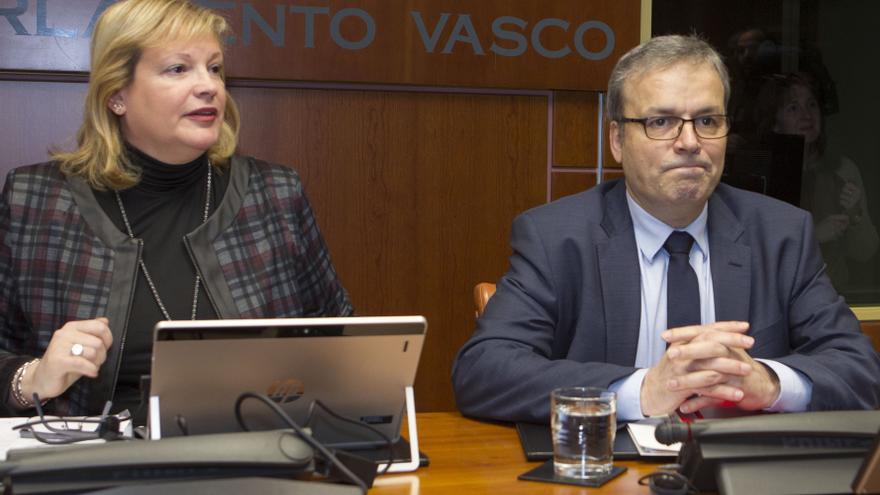 El consejero de Turismo, Alfredo Retortillo, en el Parlamento