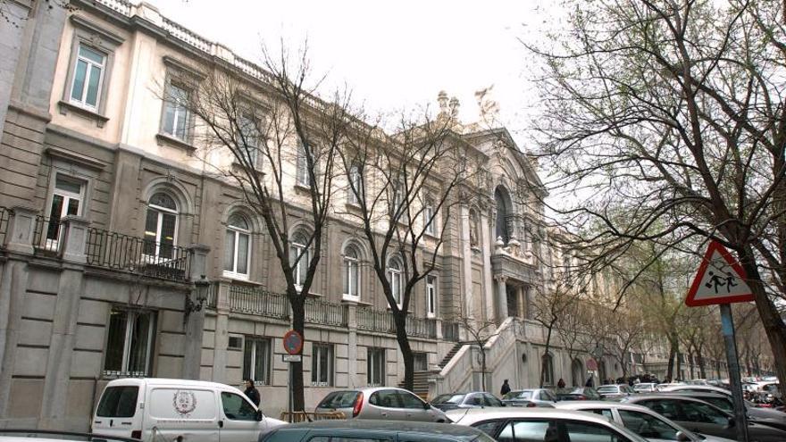 Unidos Podemos pide la dimisión del magistrado Díez Picazo por las hipotecas