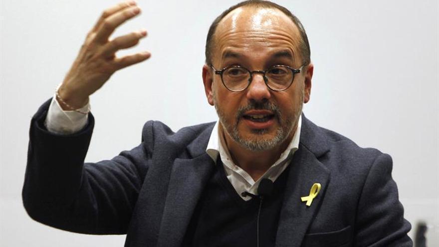 Los libros, otro escenario para el debate político sobre Cataluña