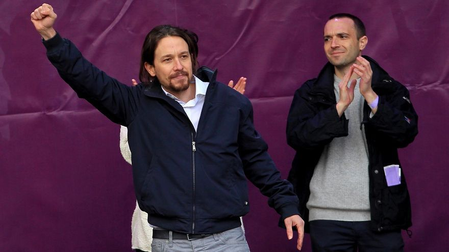 """Pablo Iglesias puño en alto en la """"Marcha por el Cambio"""" \ Marta Jara"""