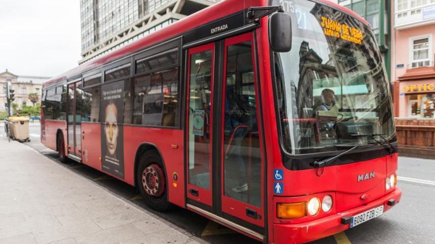Uno de los autobuses de A Coruña. AYUNTAMIENTO DE A CORUÑA.