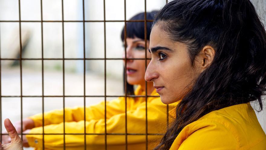 Las primeras imágenes de Alba Flores como Saray en 'Vis a Vis: El oasis'