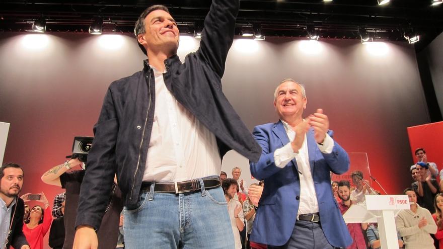 """Sánchez reitera su apuesta por la reforma constitucional y culpa a Mas y Rajoy de la """"fractura"""" en Cataluña"""
