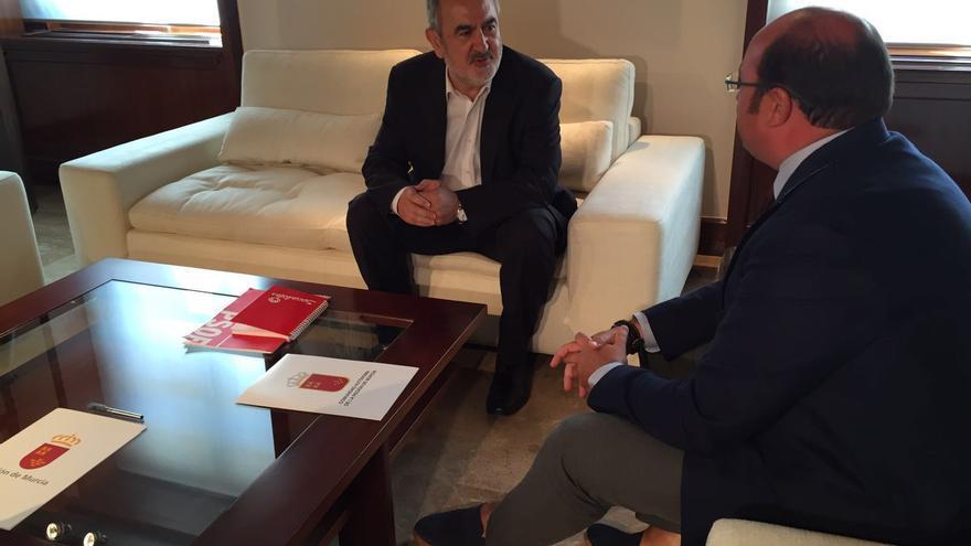 González Tovar en la reunión de ayer con Pedro Antonio Sánchez