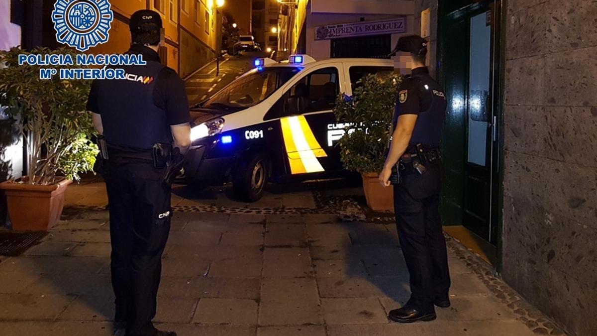 La Policía Nacional dejó a los 10 menores asistentes en sus domicilios tras desalojar la fiesta ilegal