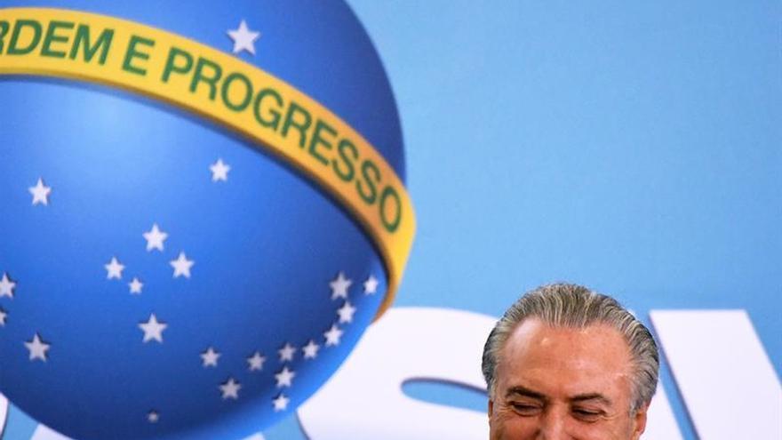 La economía brasileña se contraerá un 3,31 % este año, según los analistas