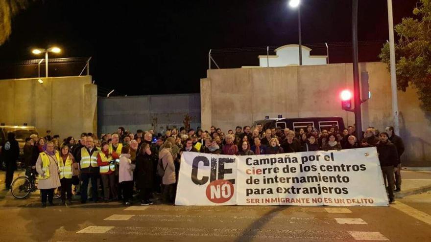 Una de las concentraciones de protesta convocadas por CIEs No a las puertas de Zapadores