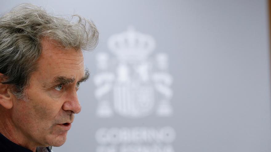 El Colegio de Médicos de Cataluña no secunda al Consejo General en el cese de Simón