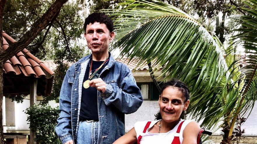 Nicolás y Sandra en el Hogar Teresa de los Andes