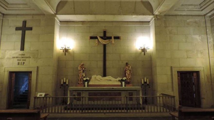 La capilla del Santo Sepulcro, por dentro.