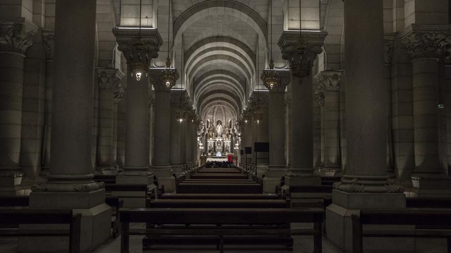 Interior de la catedral de la Almudena. / Olmo Calvo