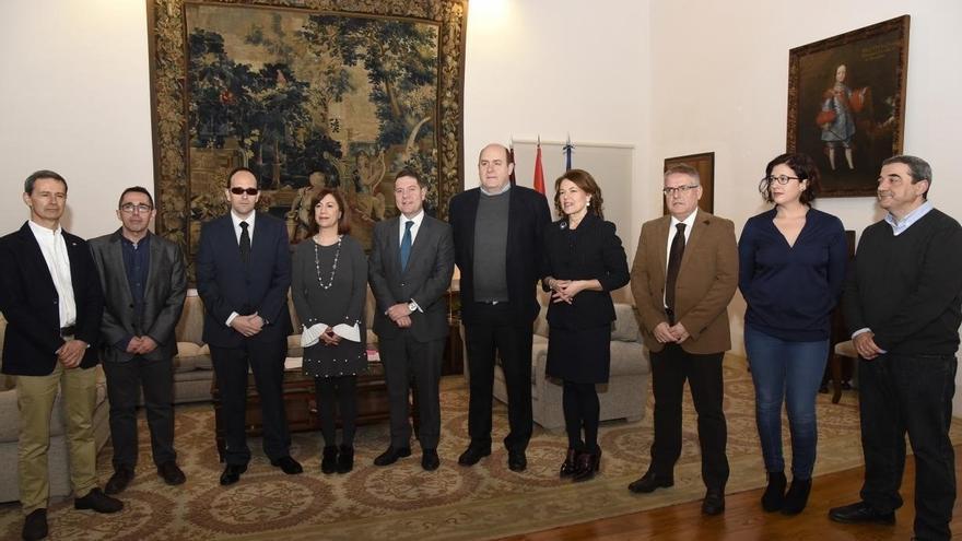 Reunión de García-Page con la Mesa del Tercer Sector