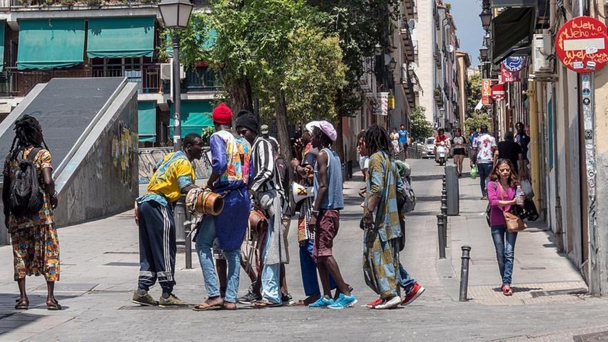 Santiago Abascal y su demagogia sobre la invasión de Canarias