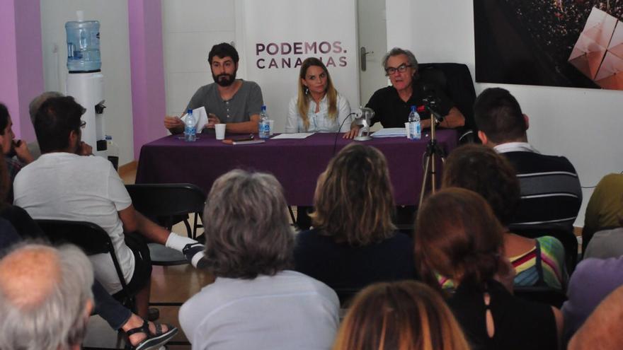El catedrático de Derecho Constitucional, Javier Pérez Royo analiza la DUI y el 155 invitado por Podemos Canarias