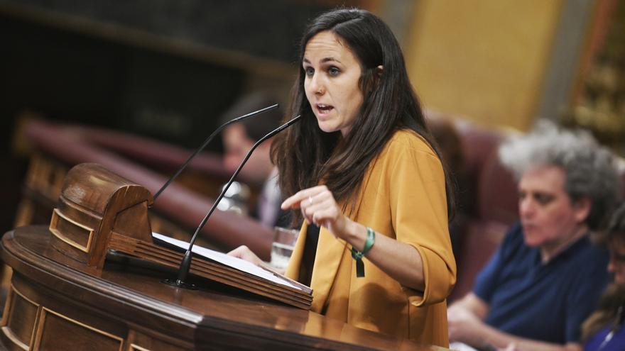 La portavoz adjunta de Unidos Podemos, Ione Belarra, en su intervención en el Congreso.