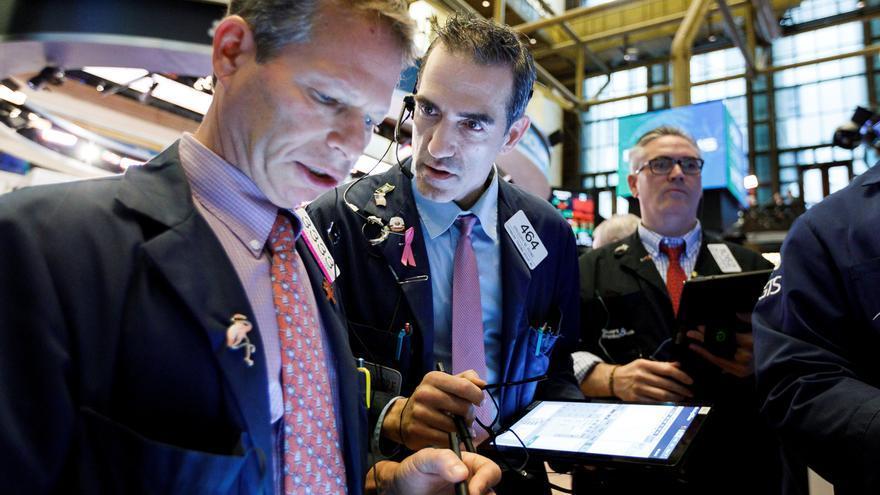 Wall Street mantiene su rebote y el Dow Jones abre con una subida del 0,49 %