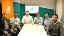 Deliveroo promotes and gives job benefits to the associations of riders who abide by its model