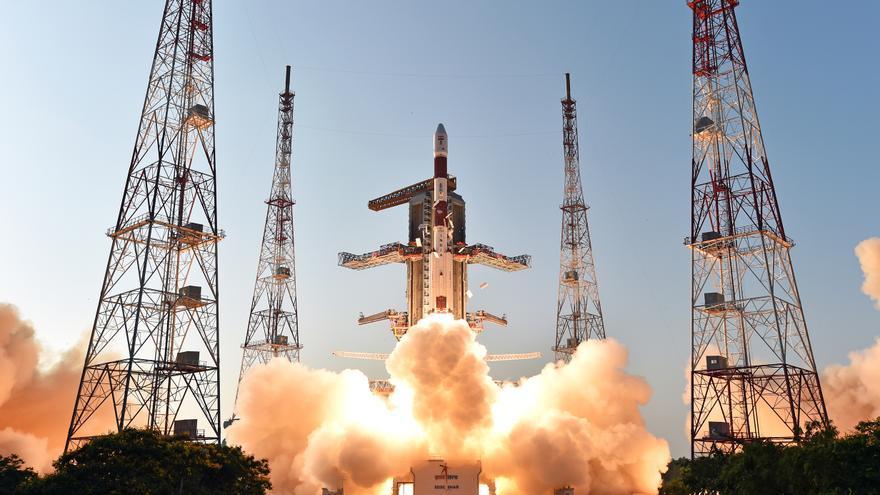 Lanzamiento del cohete indio PSLV / ISRO