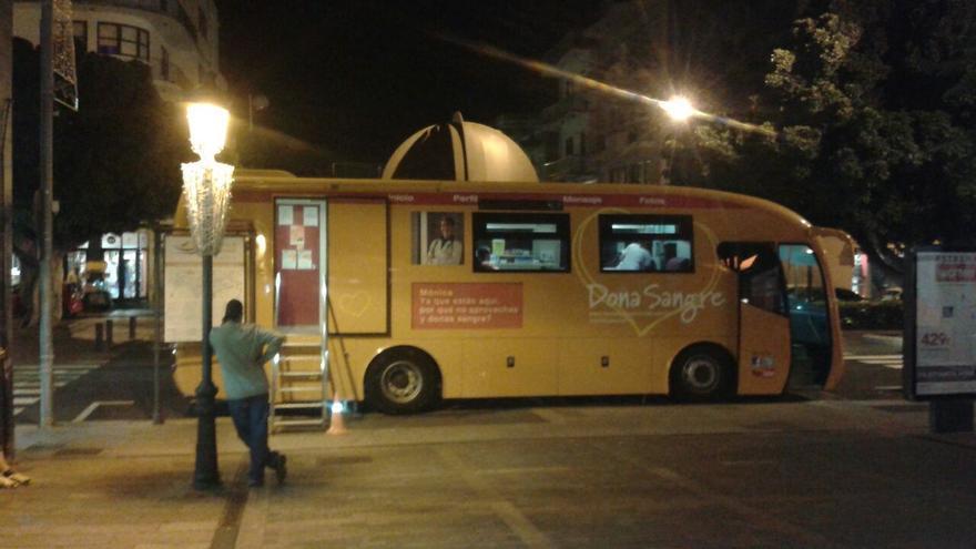 Una unidad móvil de extracción del Instituto Canario de Hemodonación y Hemoterapia en Los Llanos de Aridane.