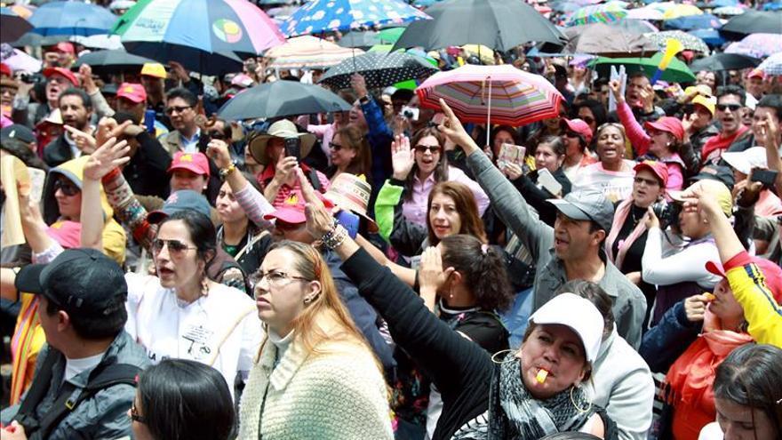 El Gobierno colombiano y los maestros se dan otra oportunidad para resolver la huelga