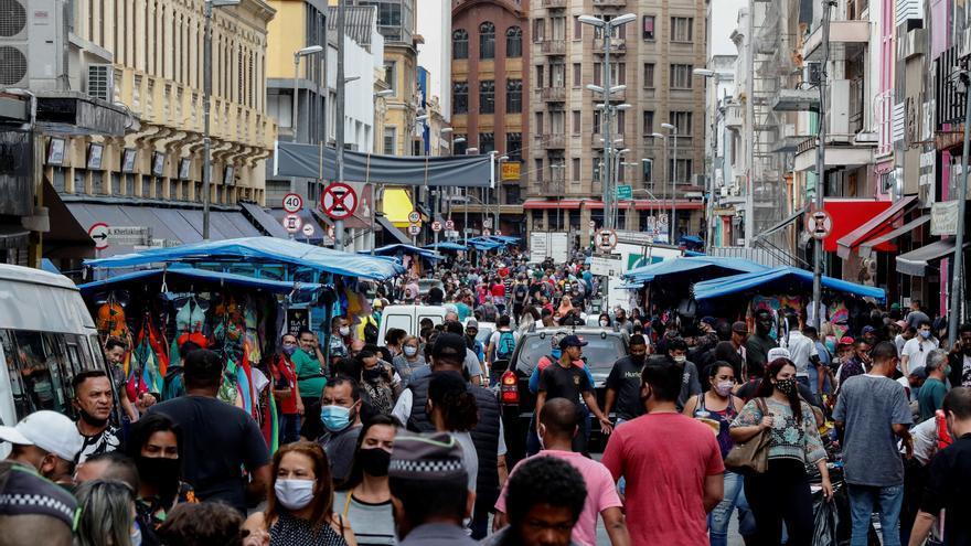Brasil vuelve a la recesión con caída récord del PIB en el segundo trimestre