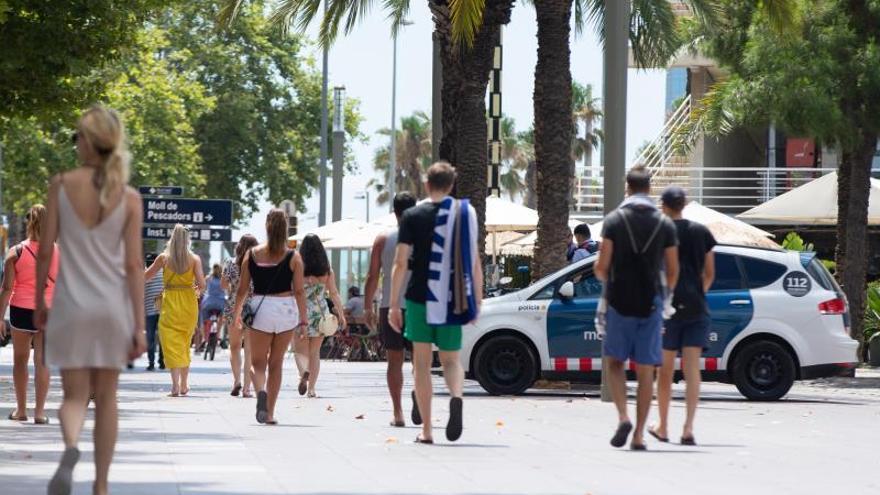 Las estancias de españoles en hoteles de Cataluña caen un 10,3 % en octubre