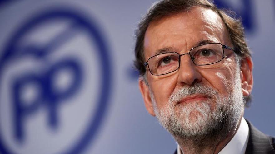 Rajoy deja su escaño y pedirá el reingreso en el Cuerpo de Registradores