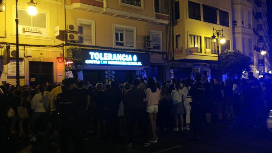 La discoteca mostró un mensaje de solidaridad en la pantalla que se encuentra sobre su puerta