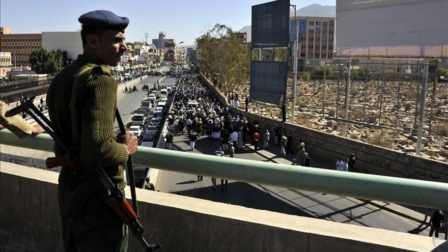 Mueren 6 milicianos chiíes por el estallido de una bomba en el centro de Yemen