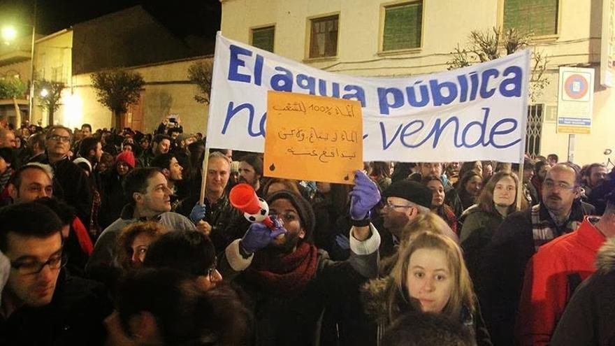 Apoyo ciudadano al movimiento contra la privatización de las aguas en Alcázar. Foto por www.twitter.com/frlorente