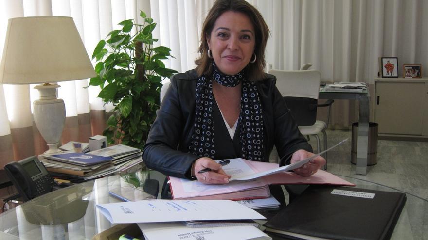 """La alcaldesa valora las novedades en la Fiesta de los Patios que """"dan respuesta a las asociaciones"""""""