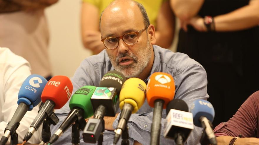 Juan Manuel Brito, en la rueda de prensa ofrecida este viernes. (ALEJANDRO RAMOS)