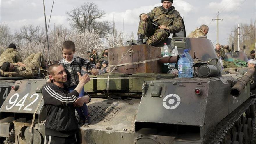 EEUU, Ucrania, Rusia y la UE intentan evitar que la crisis quede sin control