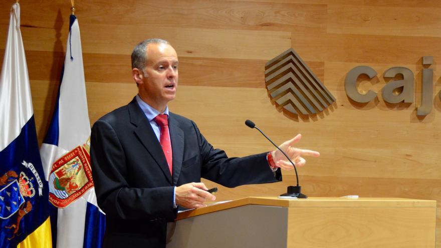 Manuel del Castillo, director general, dirigiéndose a la Asamblea.