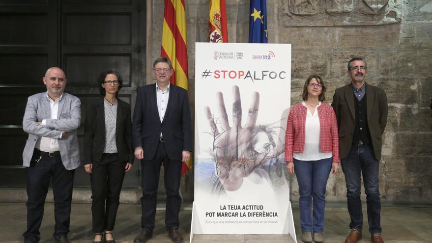 El president Ximo Puig y la consellera de Medio Ambiente, Elena Cebrián, en la presentación de 'Stop al Foc'