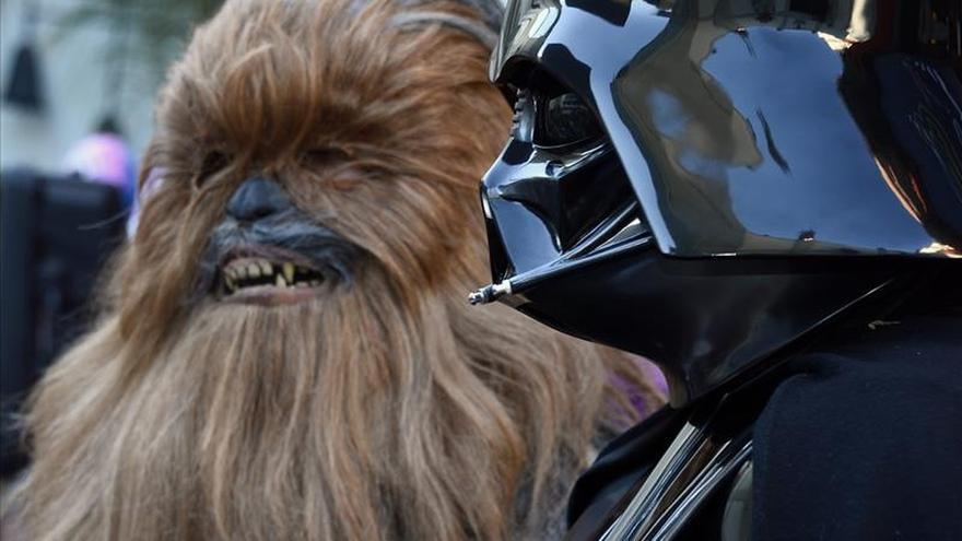 """""""Star Wars: The Force Awakens"""" bate el récord de recaudación en preestreno"""