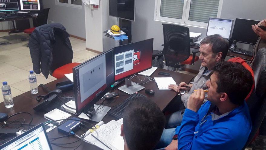 En la imagen, un momento de los ajustes previos para la primera luz del instrumento Hipercam en el  Gran Telescopio Canarias.
