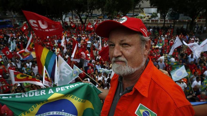 Los Sin Tierra de Brasil ocupan predios públicos para exigir reforma agraria
