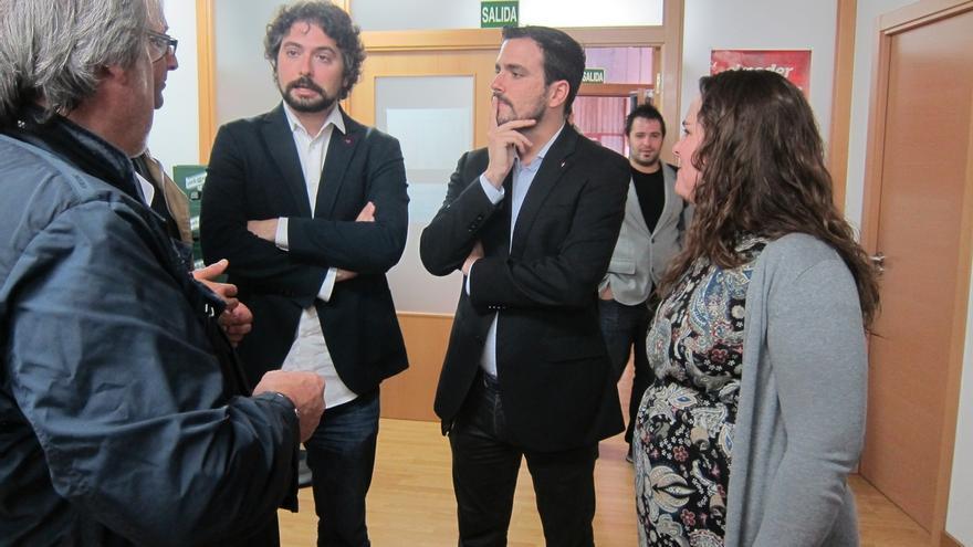 """Garzón ve """"factible y deseable"""" un debate a seis plural, televisado y con preguntas no pactadas de la gente"""