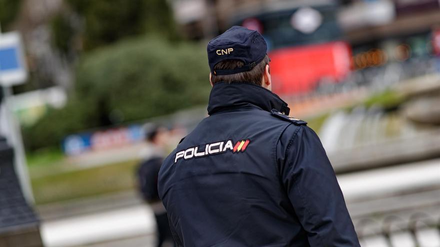 Detenido por patear a un conocido para robarle 200 euros en la Calle Molino de Viento de Las Palmas de Gran Canaria