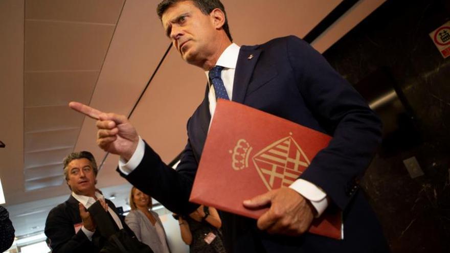 """Valls se reafirma con Barcelona y carga contra el """"sectarismo"""" de Ciudadanos"""