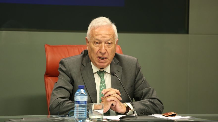 Margallo compara los 741 millones malversados en los ERE con los 1.000 euros por los que se investiga a Barberá