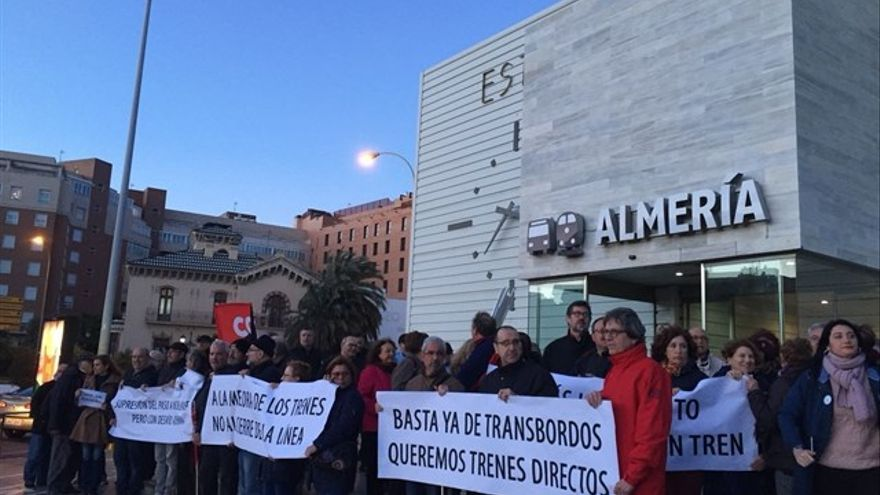 frente a la Estación Intermodal de Almería